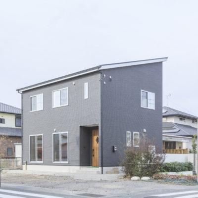 ✦富士市✦ 明るいリビング~くつろぎの和室がある家