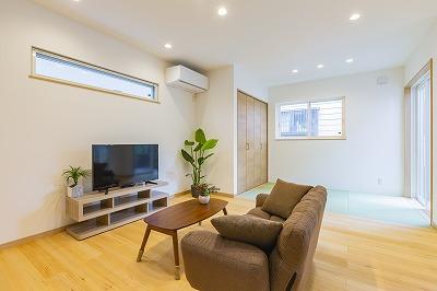 中里二宮町中里*モミの木の床材を使用した暖かな住宅