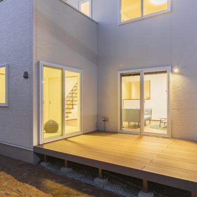 シンプルな四角いお家